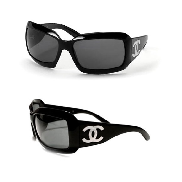 0fd6469c150515 CHANEL Accessories - Chanel Mother of Pearl CC Logo Sunglasses- Black